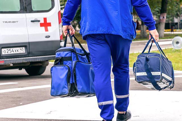 Бригады скорой помощи не могут даже передохнуть между вызовами.