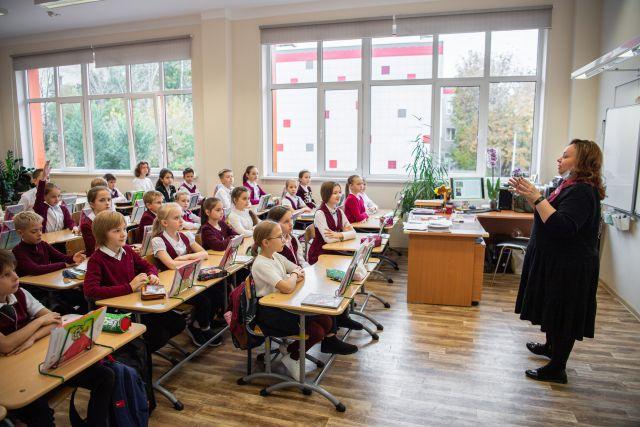 К контрольной готовы? Ученики начальных классов школы №1517 на северо-западе Москвы.