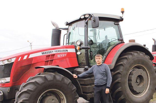 Алексей Крюков: «Сегодня механизаторы работают на передовой технике и получают достойную оплату труда».