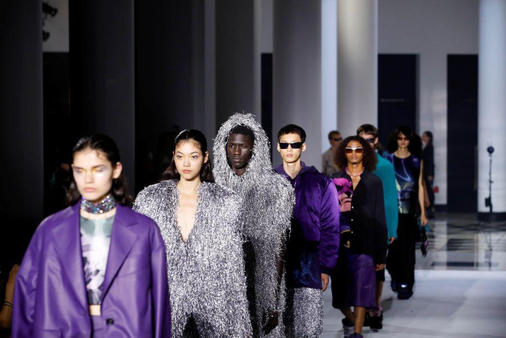 Показ коллекции Lanvin на Неделе моды в Париже