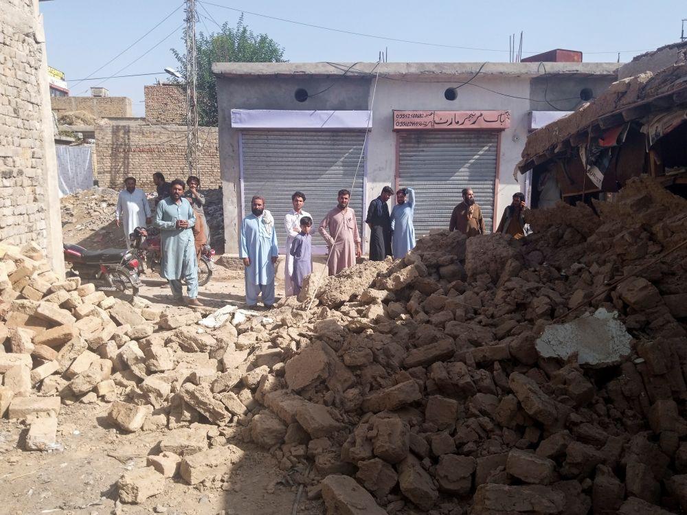 Последствия землетрясения в населённом пункте Харнай