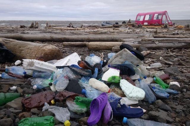 До полного разложения пластика требуется от 80 до 500 лет.