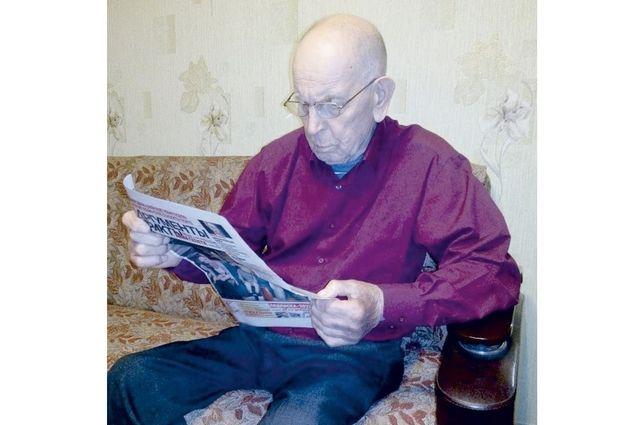 Владимир Павлович пользуется и Интернетом, но это, говорит, штука далёкая, а газета создаётся рядом с человеком и для него.