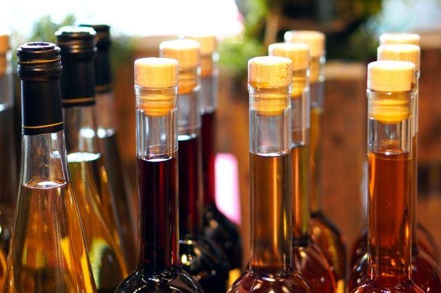 В Оренбурге 26 торговых точек продавали алкоголь с нарушениями.