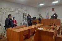 В Оренбуржье троих обвиняемых в сбыте суррогата заключили под стражу до 8 декабря.