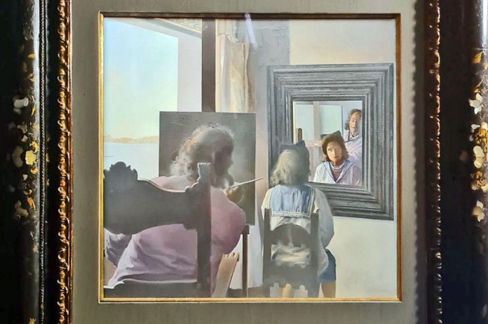 Знаменитый стереоскопический диптих «Дали со спины, пишущий Галу со спины, увековеченную шестью виртуальными роговицами, временно отраженными в шести настоящих зеркалах» (1973).