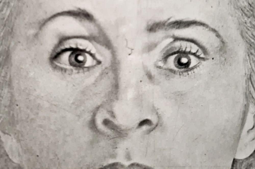 Короче говоря, не стоит пропускать эту выставку. Странно и захватывающе - заглянуть в глаза одной из самых неоднозначных и известных женщин XX века.