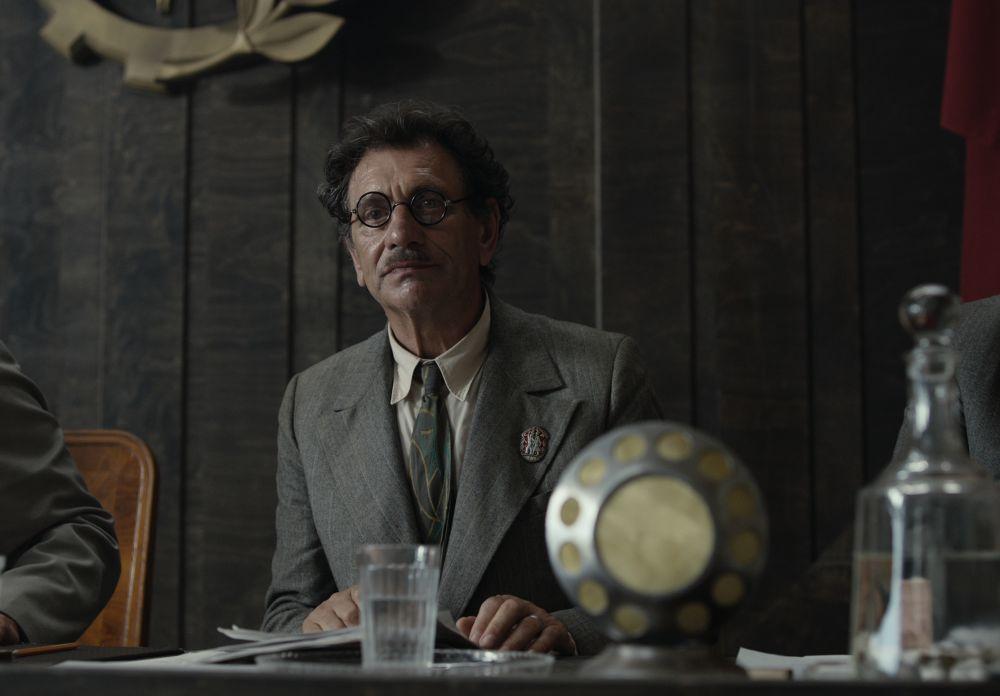 Евгений Князев в роли Михаила Берлиоза в кадре из фильма «Воланд»