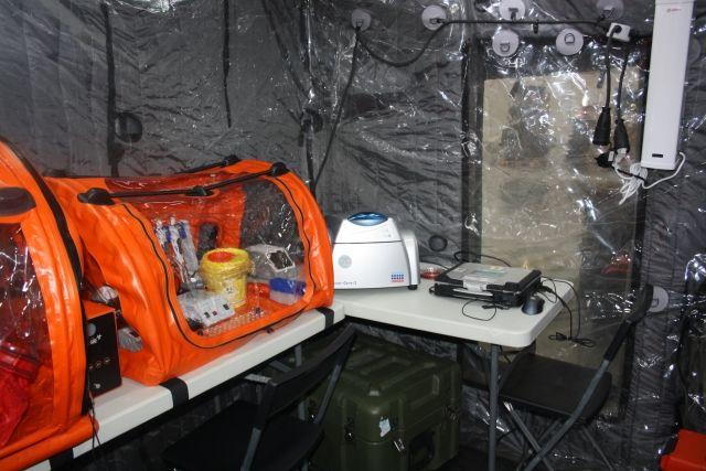 «Надувную» лабораторию для обнаружения опасных болезней можно перевезти на самолёте в обычных чемоданах.и обычными гражданскими авиарейсами, сдавая в багаж.
