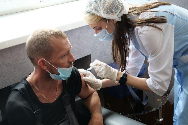 В Оренбуржье вводится обязательная вакцинация для отдельных категорий граждан.