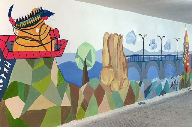 Уличные художники украсили картинами стены переходов на Белинского, Перенсона и Авиаторов.