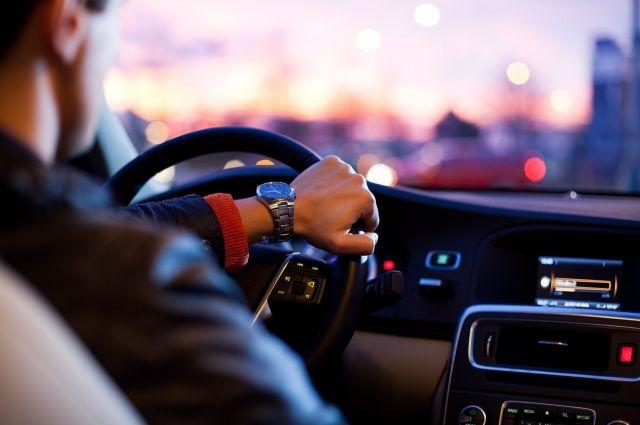 Водителям рекомендуют выбирать альтернативные маршруты.