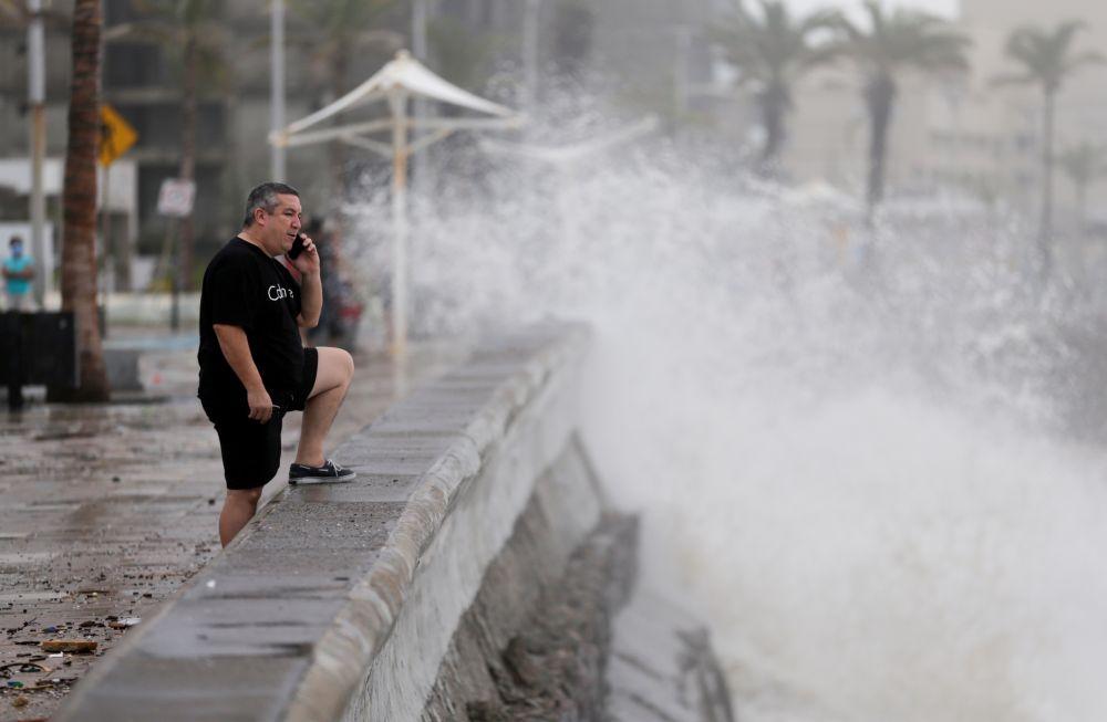 Ураган «Памела» стих до тропического шторма